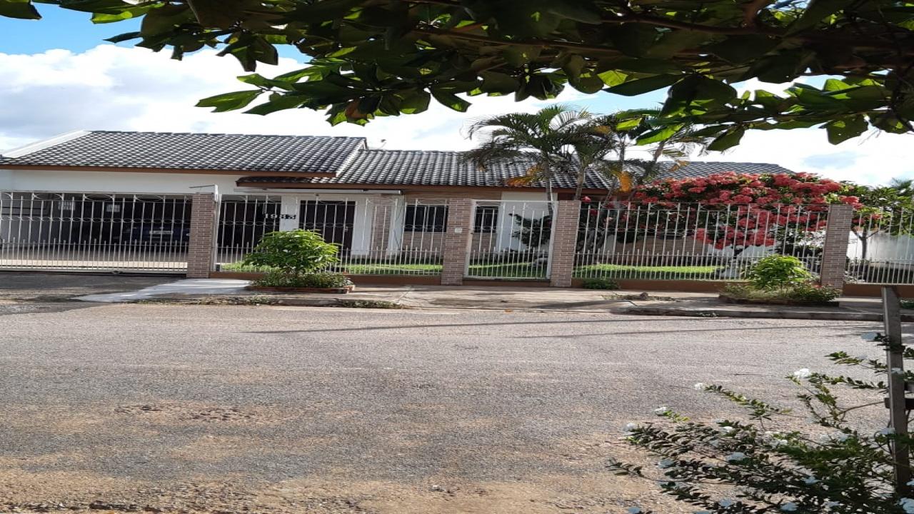 Casa 3/4 Pq Universitario26